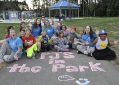 PJ'S in the park / En pyjama dans le parc